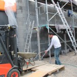 Tonnen von Beton wurden mit dem Gabelstapler hochgehoben